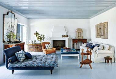 How to Become an Interior Decorator For a Model Home